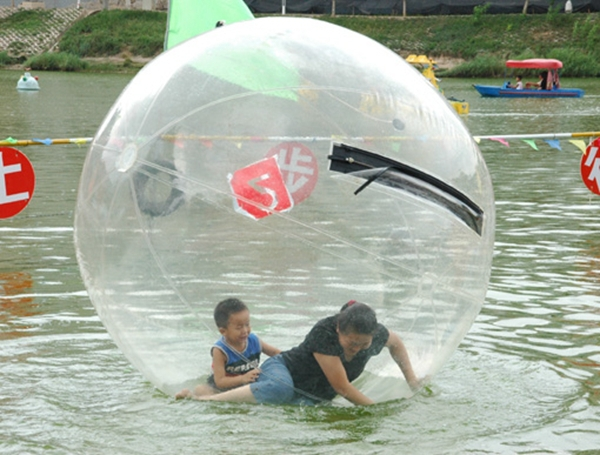 Free Shipping, Top quality inflatable black water balloons,water rollers,inflatable pool and water walking ball(China (Mainland))