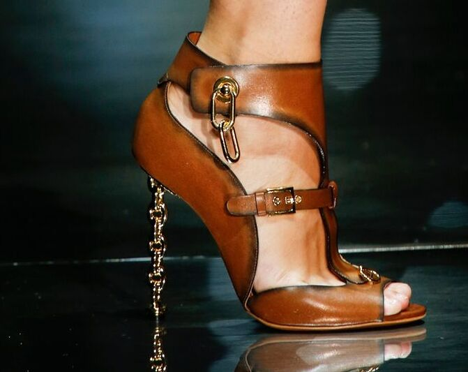 Fashion Woman Sandals T Show Gladiators Genuine leather Thin high heels Unique Design Ankle Booties Summer Pumps Evening Cut out<br><br>Aliexpress