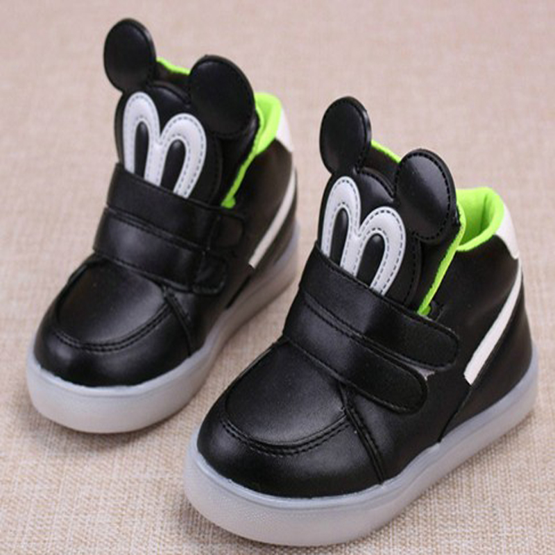 2016 New European Lighted Up LED Kids Sneakers Elegant Lovely Baby Child Shoes Boot Cool Sport Children Boys Girls Shoes(China (Mainland))