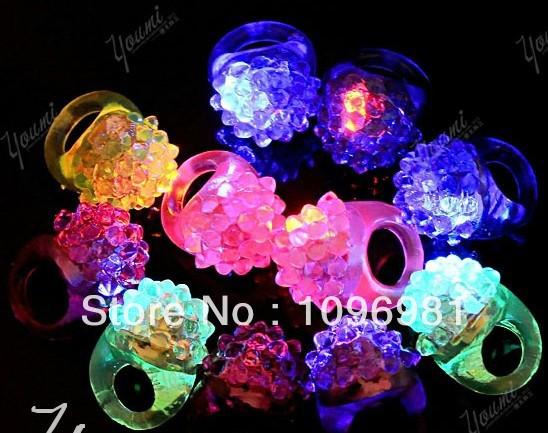 Cool LED Flashing Finger Ring Bar DJ Rave Toys Light Up Elastic Rubber Blinking Blinking Ring for Prom Party Christmas Gift(China (Mainland))