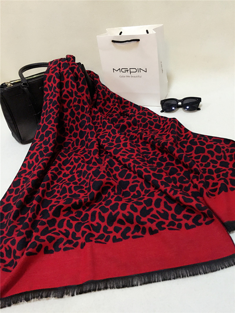 2015 high quality Designed Korean Leopard flow shall cashmere ladies scarves Long Warm Shawl Scarf women Winter(China (Mainland))
