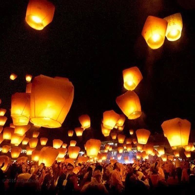 10pcs Halloween SKY KongMing Balloons Wishing Lanterns Flying Light Halloween Chinese Sky Lantern Air Balloon Classic Toy TY0109(China (Mainland))
