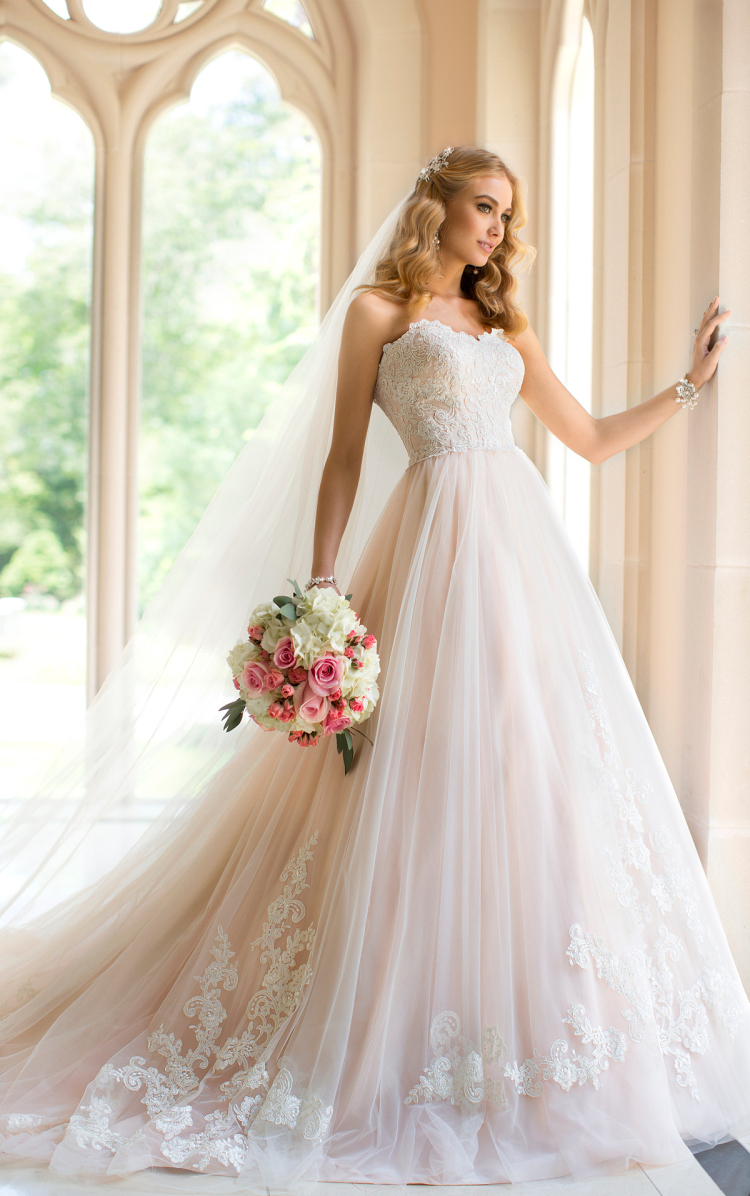 wedding dress tulle sweetheart court train appliques a line wedding