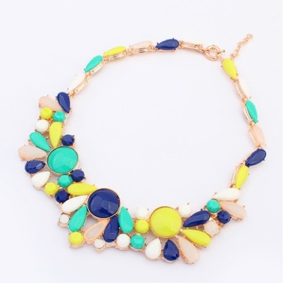 Fashion necklaces for women 2016 free shipping Sweet and pure and fresh necklaces pendants resin choker