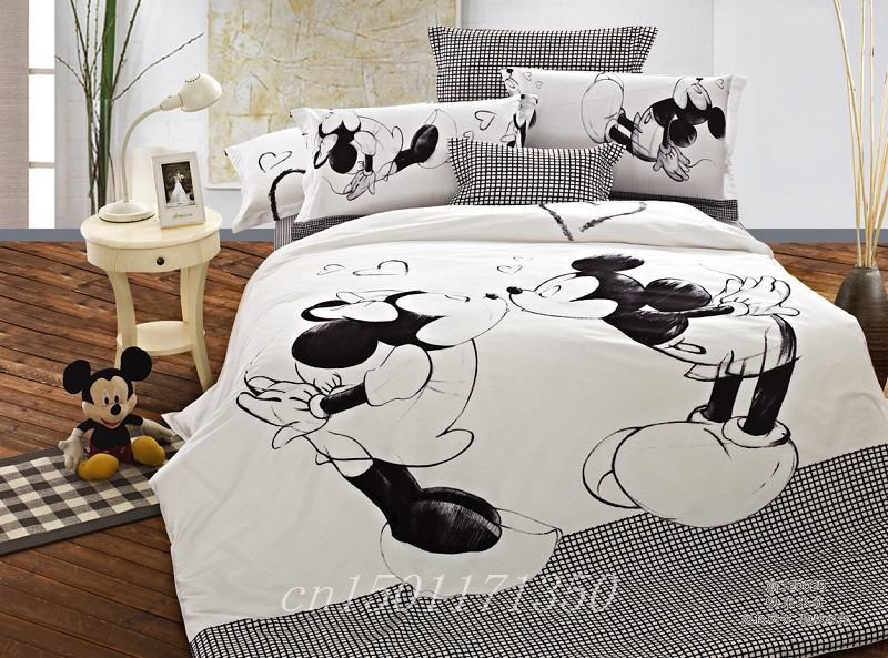 Good Quailty kids bedding Full queen Mickey mouse/Black and white bedding sets/children Quilt cover/Flat sheet/Pillow cases(China (Mainland))