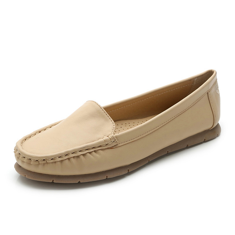 The Frida Loafer is a sophisticated slip-on with classic style, extreme comfort, and beautiful hand-woven leather perfect for spring all the way through fall.