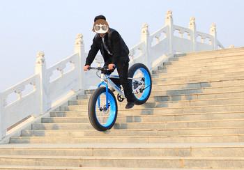Cool Big Tire snow fat mountain bike 26 * 4.0 aluminum alloy frame bikes wheel 7-speed Beach Fat boy mountain bike Free shipping