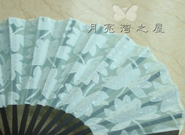 Collapsible Chinese bamboo fan Folding fan Home decor New Beautiful Oriental Silk Hand Fan Craft Gift(China (Mainland))