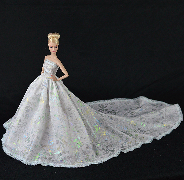 Handmade Dress Doll Dress Sexual Long Tail's Evening Gown Purely Manual Clothes Lace Wedding Dress for Barbie Dolls(China (Mainland))