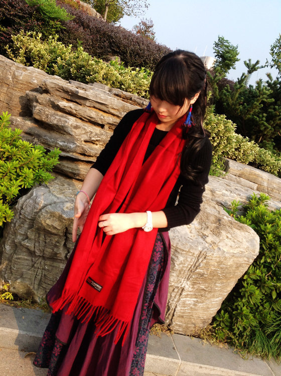 Free Shipping 2015 classical stlye red scarf women cashmere solid scarves shawl long scarf(China (Mainland))