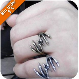 2015 New Fashion Hot Selling The Retro Jewelry in Europe Punk Rock Trachypenaeus Ring Queen's Noble Ring 66R620 66R621(China (Mainland))