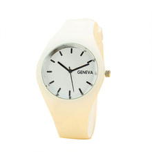YAZOLE Geneva Watches Women Sports Candy-colored 12 Colors Jelly Silicone Strap Leisure Watch Free Shipping(China (Mainland))