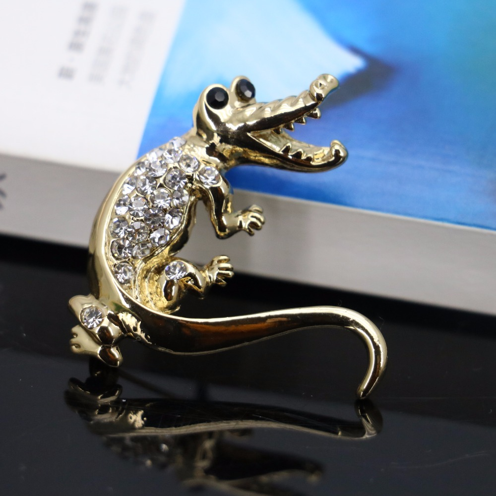 Crocodile Rhinestone Brooch Gold-plated Breastpin Glass Brooches Crystal Wedding Gifts Jewelry making Design 40*47mm Ornaments(China (Mainland))