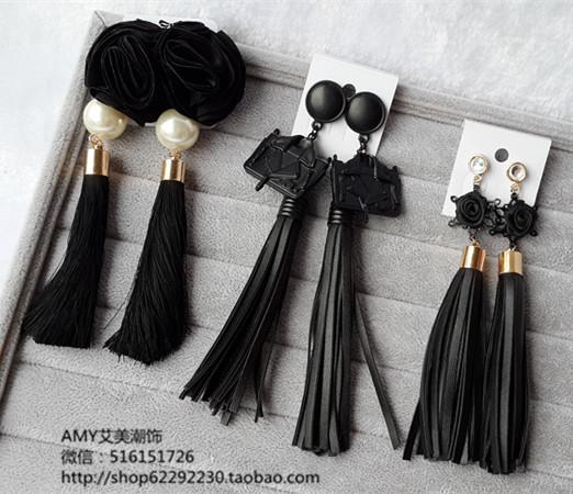Мода долго дизайн серьги складные черный искусственная кожа кисточкой подвеска серьги падения королева мотаться серьги для женщин женский