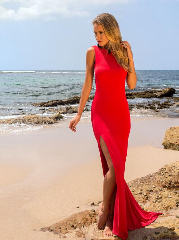 Платье с открытой ножкой
