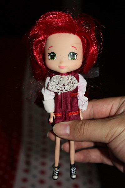 Free delivery ladies toys 1pc doll STRAWBERRY SHORTCAKE Strawberry perfume head doll   doll equipment for barbie