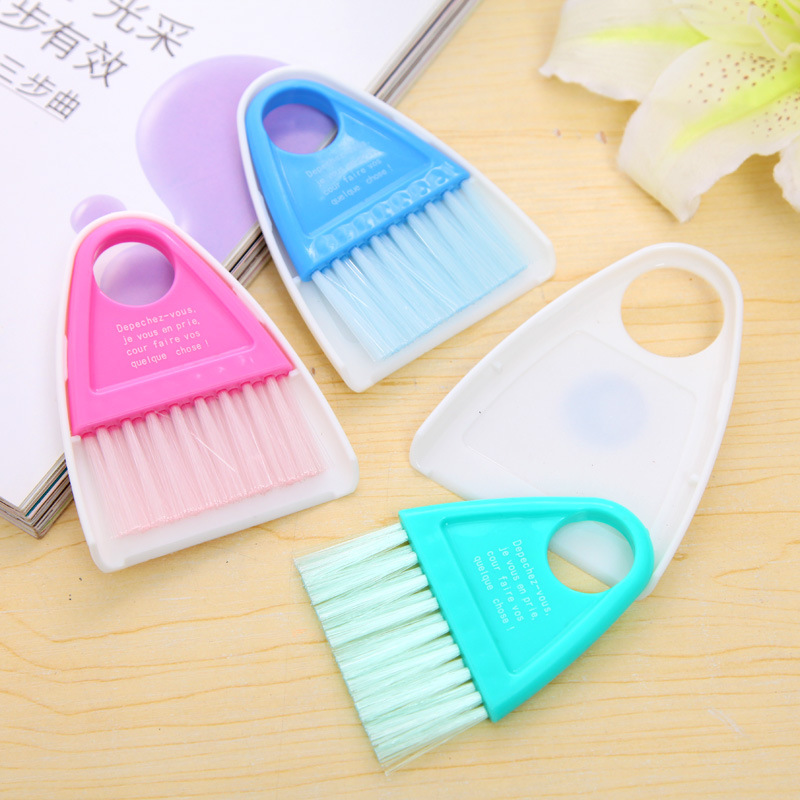 2016 New Mini Keyboard Cleaning Brush With A Small Broom And Dustpan 9*11cm(China (Mainland))