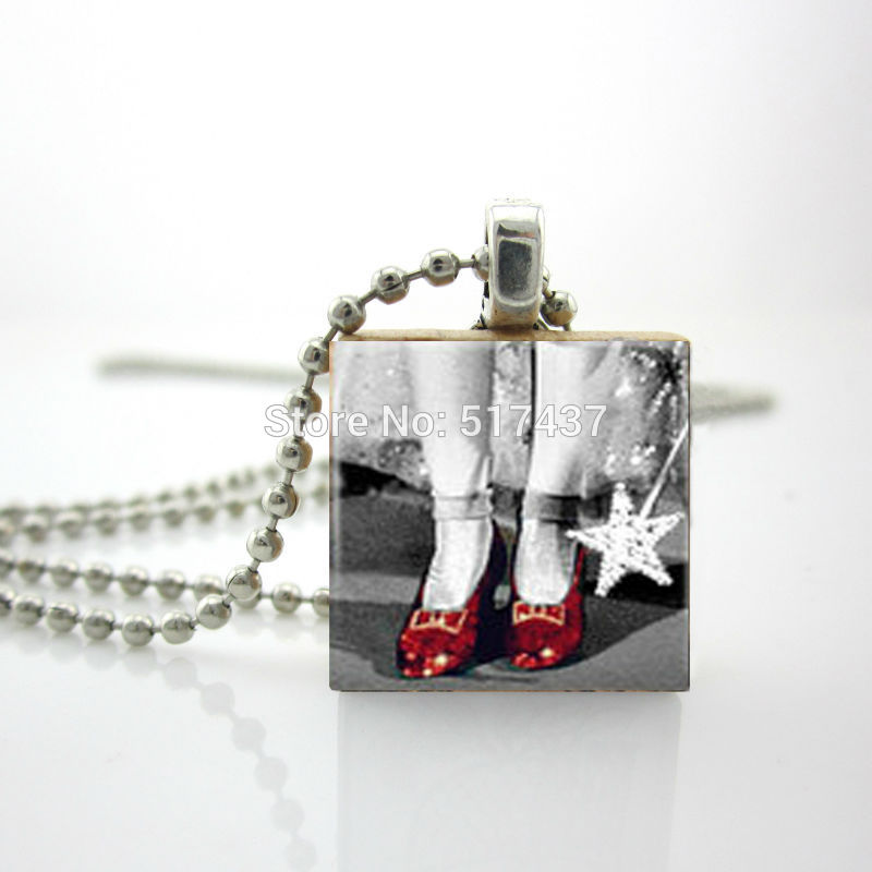 2015 New Ruby Shoes Pendant Black And White Wizard Of Oz Scrabble Tile Jewelry Ball Chain Necklace(China (Mainland))