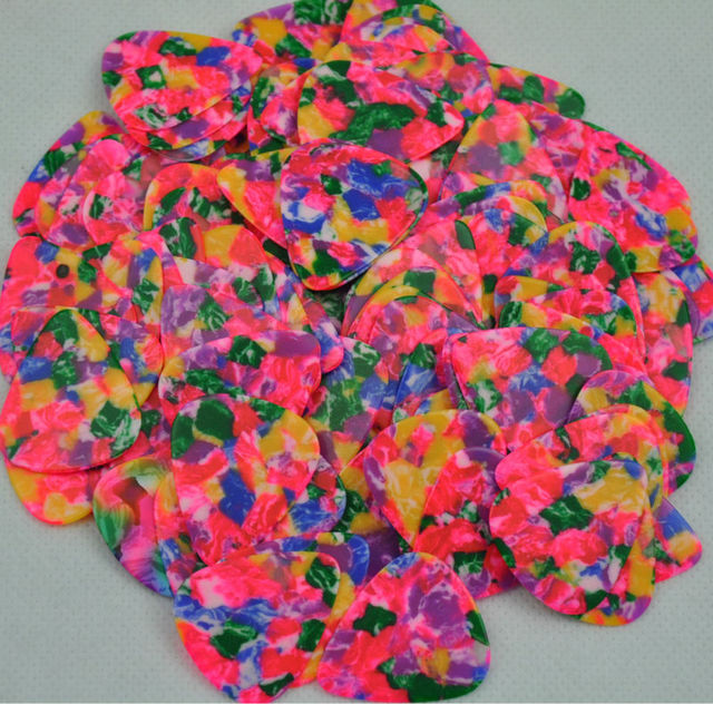 Lots of 100 pcs new medium 0.71mm tie dye guitar picks Celluloid No Print