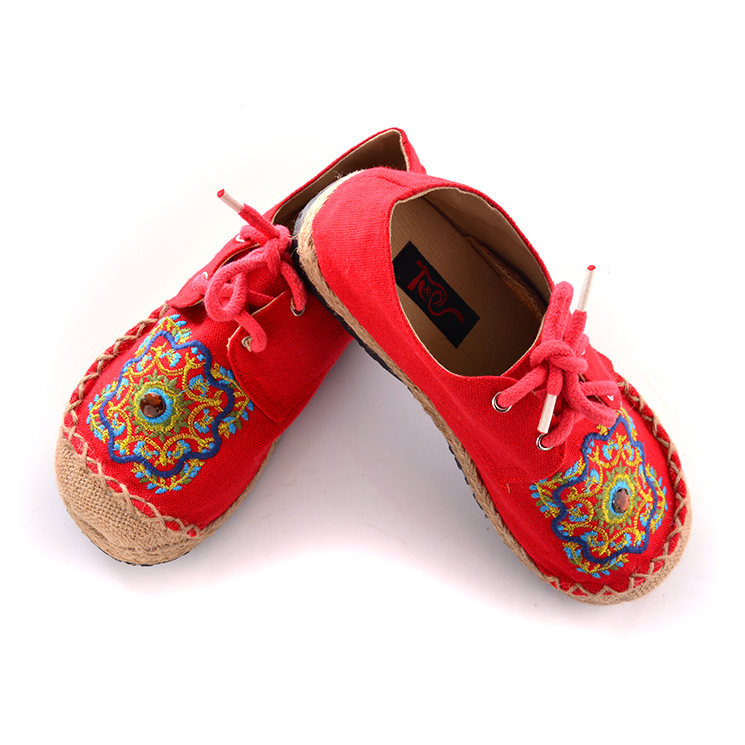 folk style embroidery linen women shoes with diamond Thailand shoes low student cartoon embroidery handmade cloth shoes(China (Mainland))