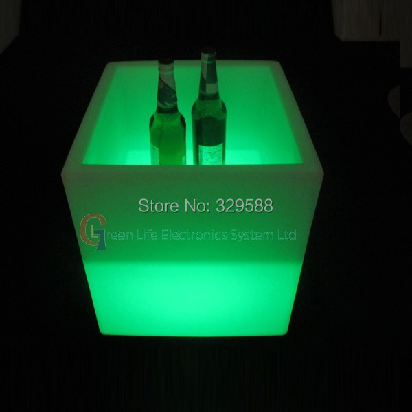 8inch led cube,bar stool,nightclub furniture,led furniture,20*20*20cm,led cube table lamp<br><br>Aliexpress