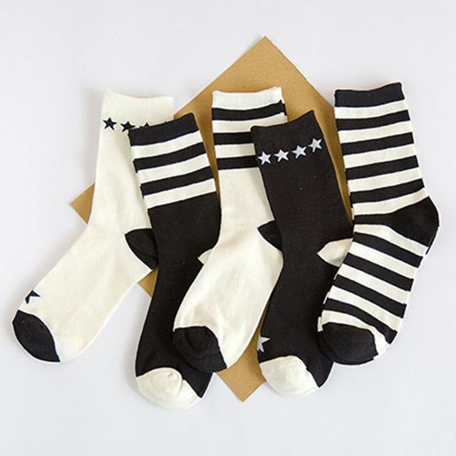 Японский Harajuku трубке носки новинка женщины полосатый звезда спортивные носки черный и белый хлопок скейтборд баскетбол носки
