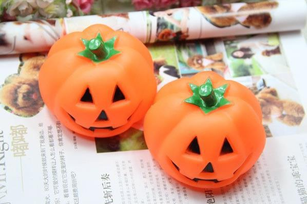 Funny Dog Rubber Squeak Halloween Toys Pumpkin Chew Bite Toys Pet Products Supplies Toys For Animals Free Shipping(China (Mainland))