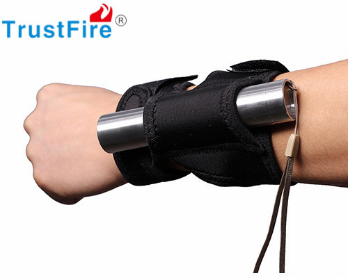 TrustFire 11.5cm Black Nylon Holster Holder Case Belt Pouch for LED Torch Arm Flashlight Holster Tactical Flashlight Pouch #(China (Mainland))