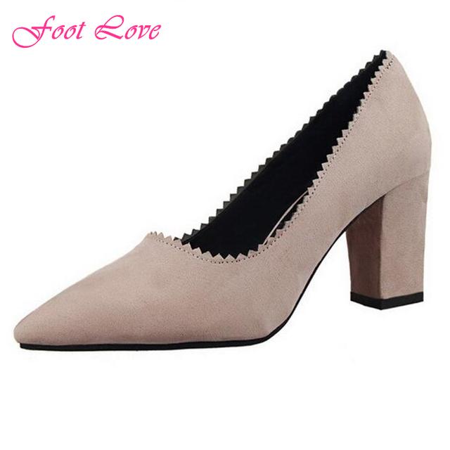 Женщины туфли на высоком каблуке 2016 весной новый европейский стиль мода ретро красной подошвой на высоких каблуках квадратный каблук стая острым носом свободного покроя женская обувь