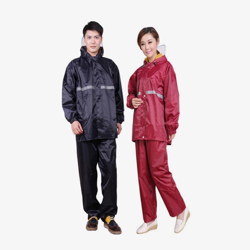 Здесь продается  Fashion Raincoat motorcycle raincoat men and women cycling rain suit thick fission Wide brim oxford   Спорт и развлечения
