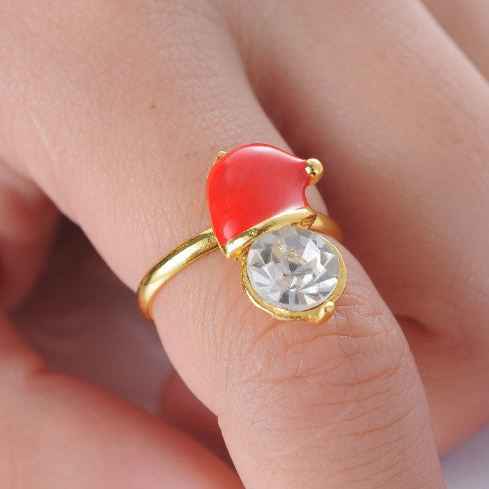 Christmas Lovely Christmas red hat and crystal ring Party with beauty anillos beautiful cute 2015 Fashion Rings for Women(China (Mainland))