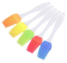 17.5 cm Silicone Pastry Brush, High Quality BBQ Bread Cakes Cooking Oil Cream BBQ Basting Brush Tools Kitchen Accessories Q024