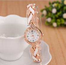 Venta caliente de moda con blanco pulsera de la flor del cuarzo mira los relojes vestido montre para mujer femenina reloj relojes mujer