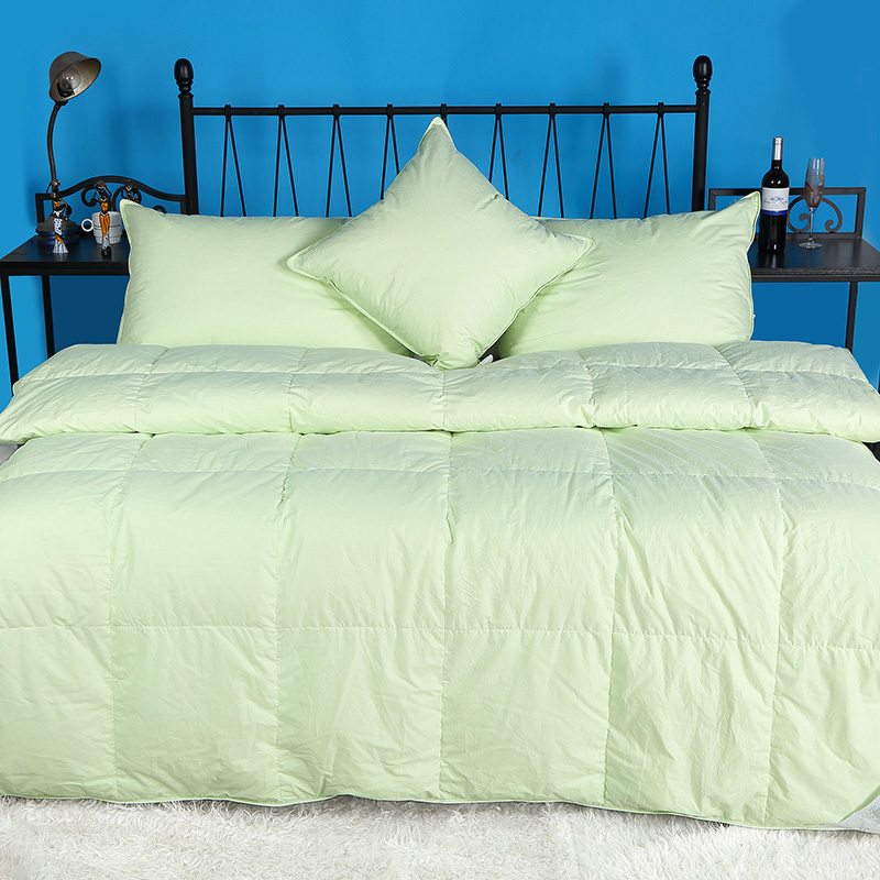 Green Color Four Size 50% Goose Down Comforter For Winter 233TC 100% Cotton 650+ Fill Power(China (Mainland))