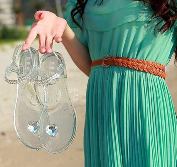2015 Women's shoes heart rhinestone flip-flop sandals jelly shoes flat transparent crystal sandals Wholesale, retail(China (Mainland))