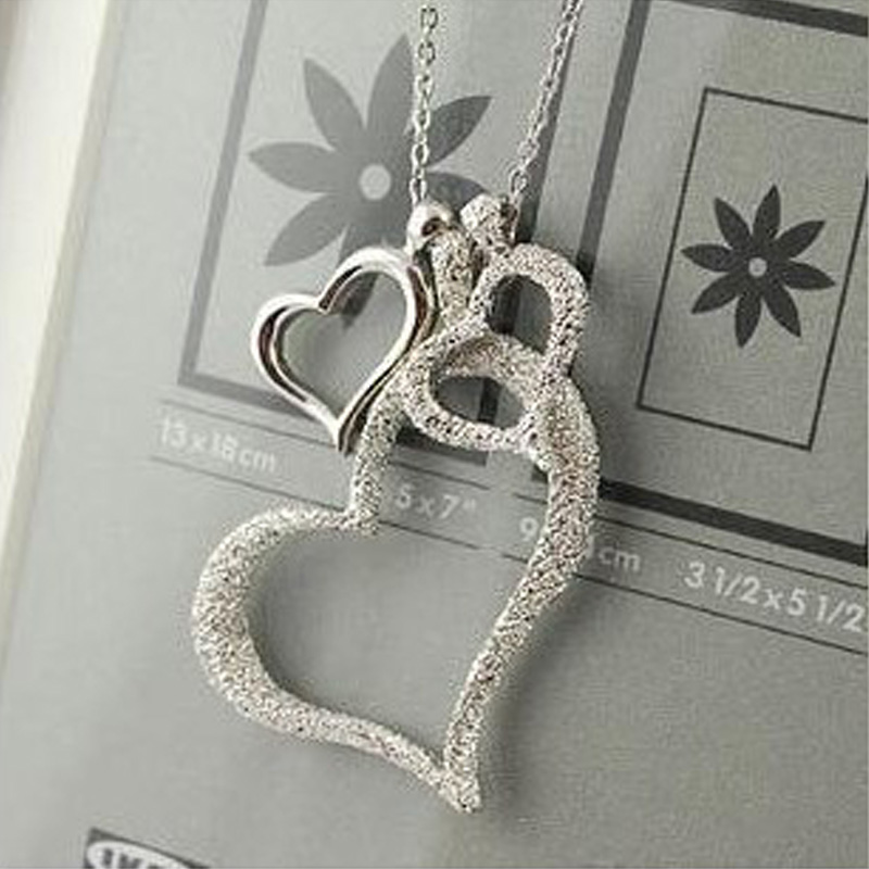X236 New Fashion Hot Selling Discount Necklaces Pendants Korea Fashion Jewelry Three Hearts Silver Necklace Free