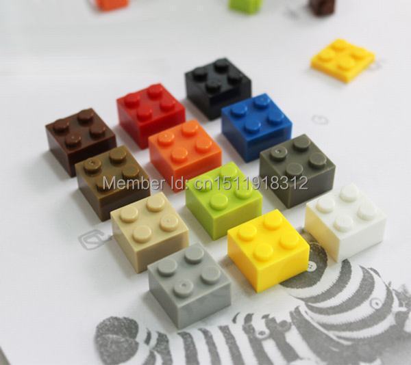 100pcs lot 2X2 DIY Enlighten Toy Plastic Building Block Bricks For Kids Compatible With Lego Assembles