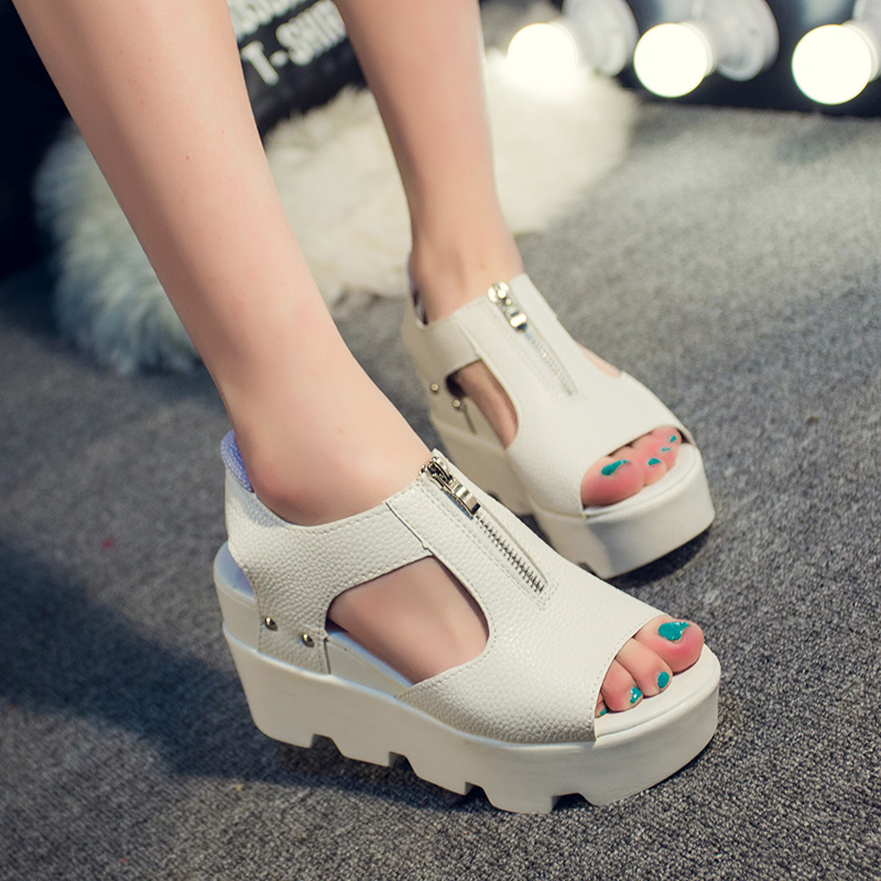 New Fashion Open Toe Flat Sandals White and Siliver Women Leather Shoes Platform Wedges Women Gladiator Sandals Free Shipping(China (Mainland))