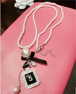 2014 New Fashion Jewelry Perfume Bottle Simulated Pearl Necklace Long Pendant Necklace For Women(China (Mainland))