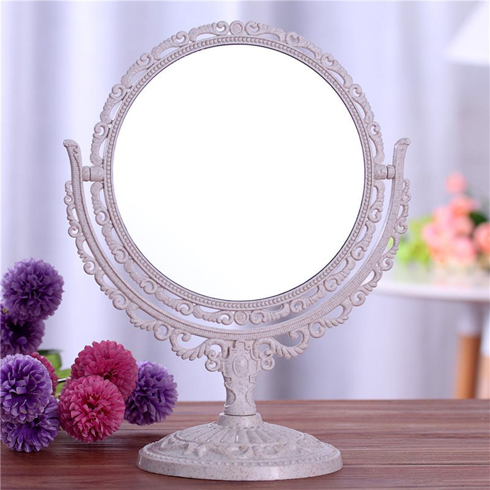 Фото девушек в настольное зеркало