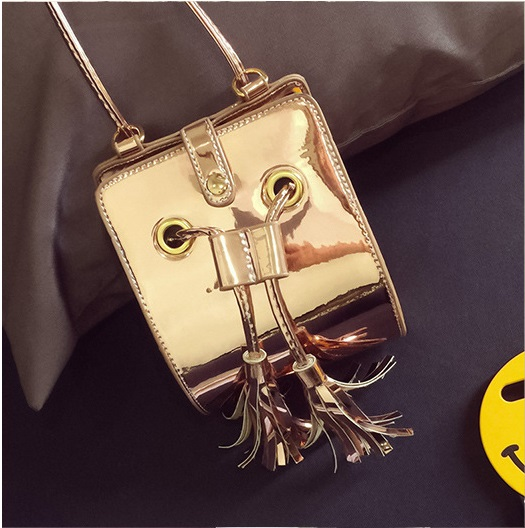 Fashion Women Messenger Bags Hologram Laser Female Tassel Flap Bags 2016 Hot Holographic Bag Ladies Mini Shoulder Strap Bag C015(China (Mainland))