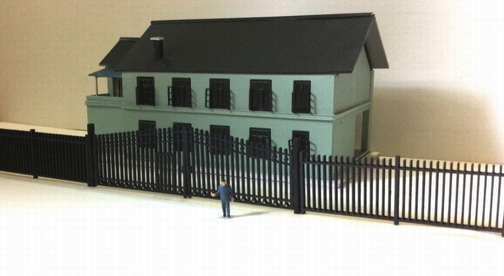 LG8707 Model Railway Building Wooden Fence Wall with Door 1:87 HO OO Scale NEW(China (Mainland))