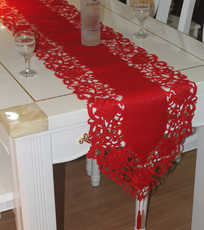 New For Christmas Polyester Embroidery Xmas Table Runner Satin Tablecloth Cutwork by Hand Red Table Flag Towel Cloth Covers(China (Mainland))