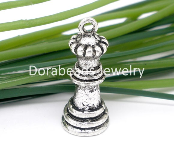 hot- 10 Silver Tone 3D Charm Queen Chess Pendants 27x12mm (B05153)(China (Mainland))