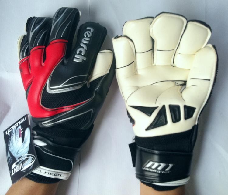 Soccer Professional Gloves Keeper Original Reusch Thickened Latex Soccer football Goalkeeper Gloves(China (Mainland))