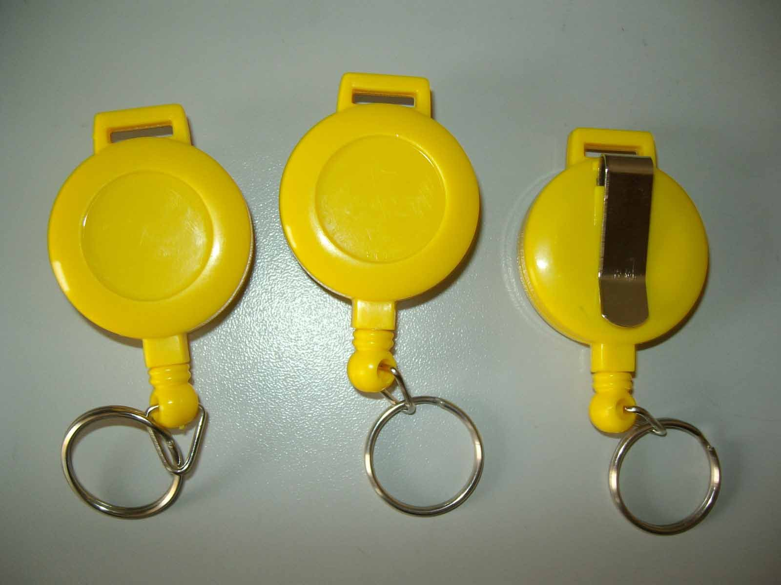 Wholesale Plastic Retractable Pull Reel with split ring(China (Mainland))