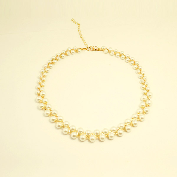 New coming women necklace and the pendant material is crystal and can be used to match the sweater vintage necklace(China (Mainland))
