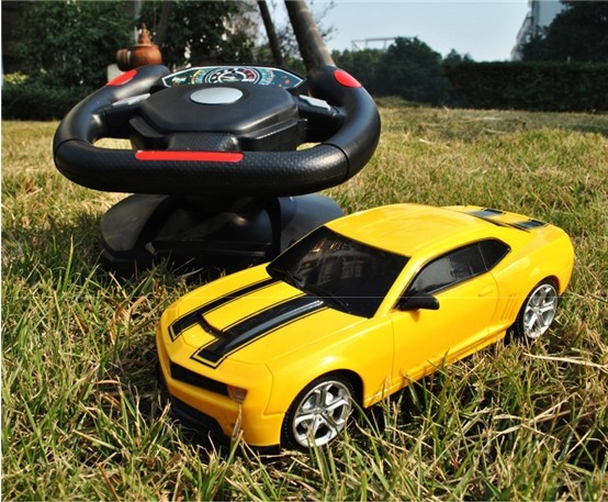 2016 New GIFT Child Kids Electric Toy RC Car Bumblebee Remote Control Automobile Toys High Speed Model Gravity of Remote Control(China (Mainland))