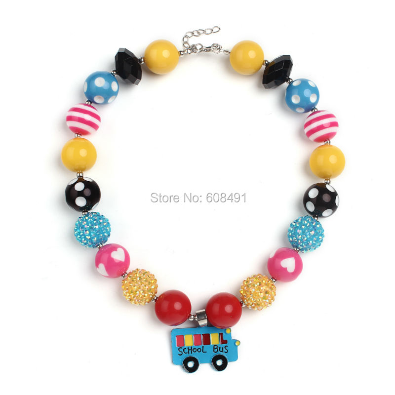 Cute School Bus Pendant Chunky Bubblegum Necklace Green/Yellow/Blue Beaded Necklace for Girls Dress Up Kids Gift 1PC(China (Mainland))