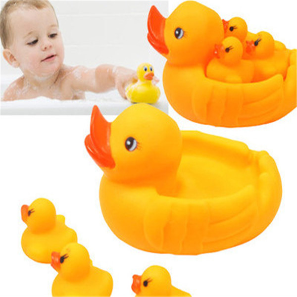 Squeeze-souding Dabbling Toy Child Baby Kids Bath Toy Duck Swimming Ring/Toys With 1 Mother Duck And 3 Baby Duck(China (Mainland))